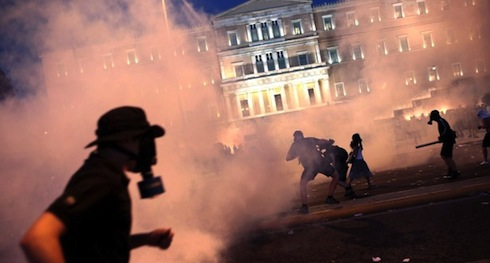 Greecedefaulter-imf-eu-no-oxi-eurozone-greekparliament-protests_7-16-2015_191285_l-615x330-c2bf06133acfcda2d9761d8544ee2c0e-