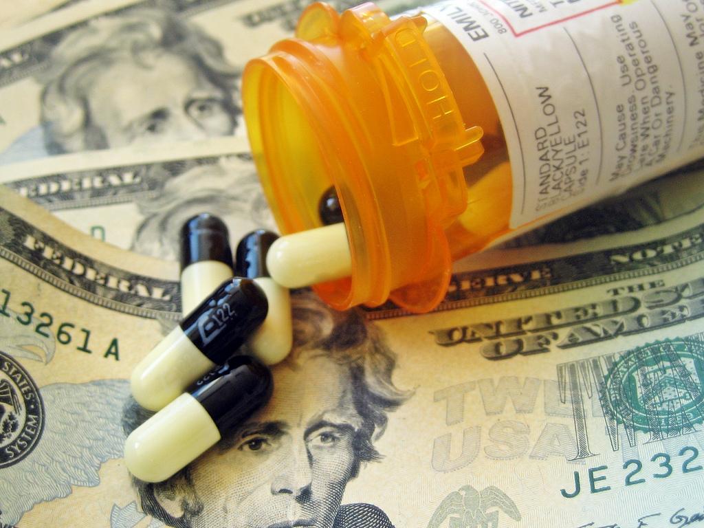 Pills_money-4da33d9c2dea80b47932c5731cdab143-