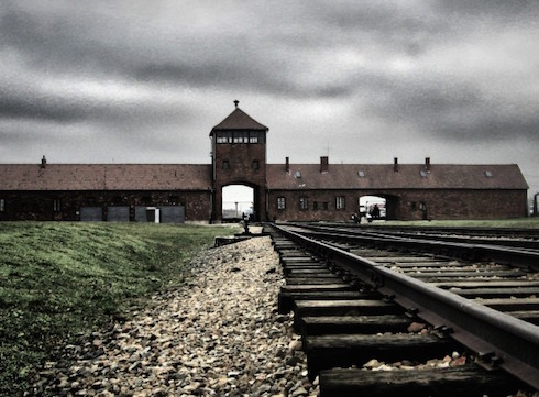 Auschwitz-flickr-yam-amir-978x720-www.swlonder.co_.uk_-918a8604f8a0676004691756ce263143-
