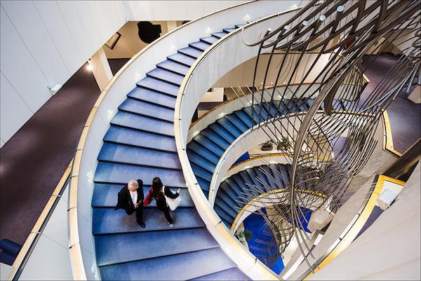 Eu_parliament_staircase-