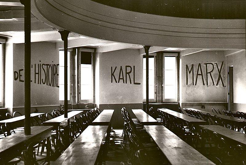 Graffito_in_university_of_lyon_classroom_during_student_revolt_of_1968-
