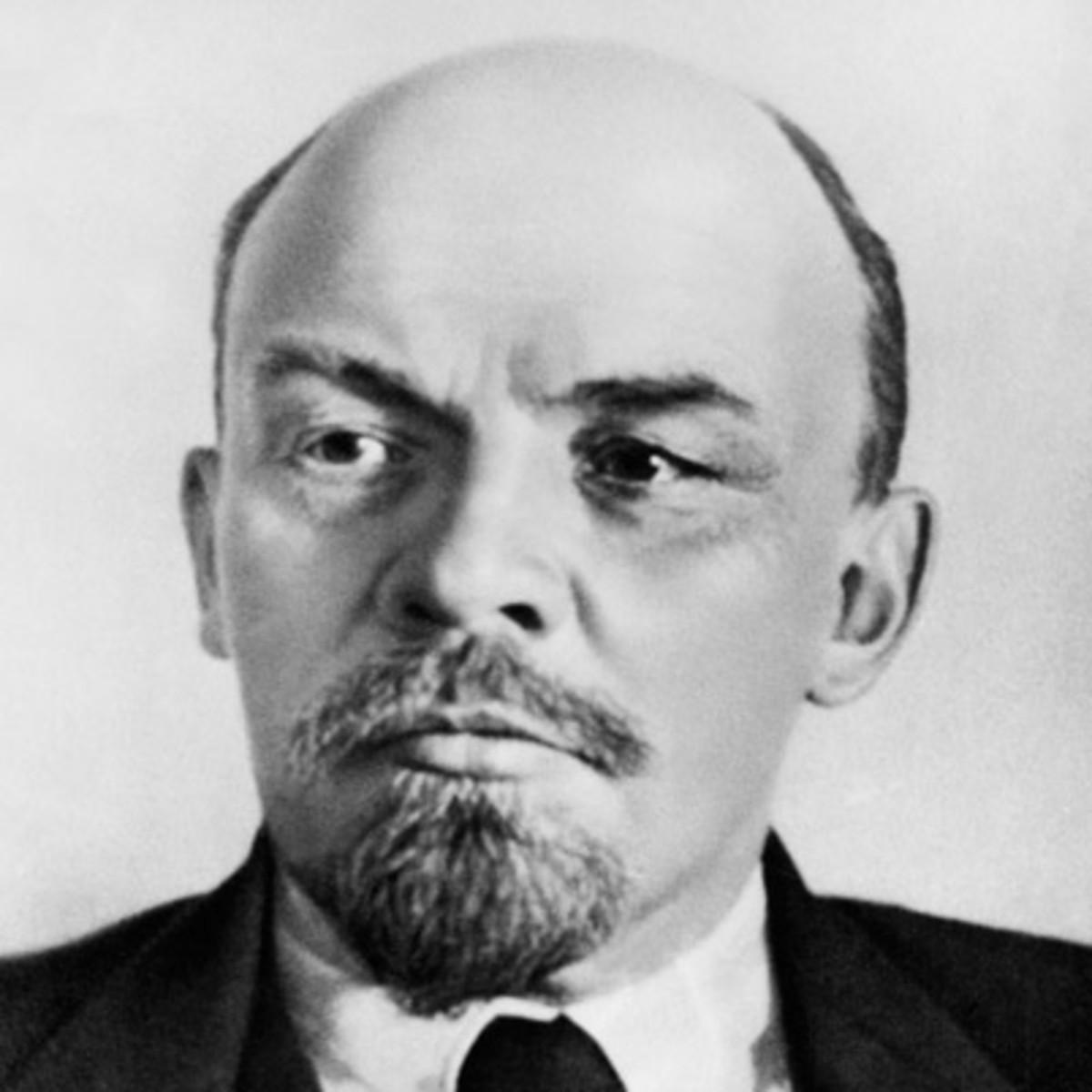 Vladimir-lenin-9379007-1-402